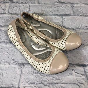 Dex Flex Comfort Ballet Shoes. Creme. Size 8.5